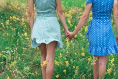 фотосессия сестер +на природе, фотосессия двух сестер, фотограф Стерлитамак Лилия Арсланова, sisters, sisters photo, фотограф сестер, девушки стерлитамак Лилия Арсланова рядом