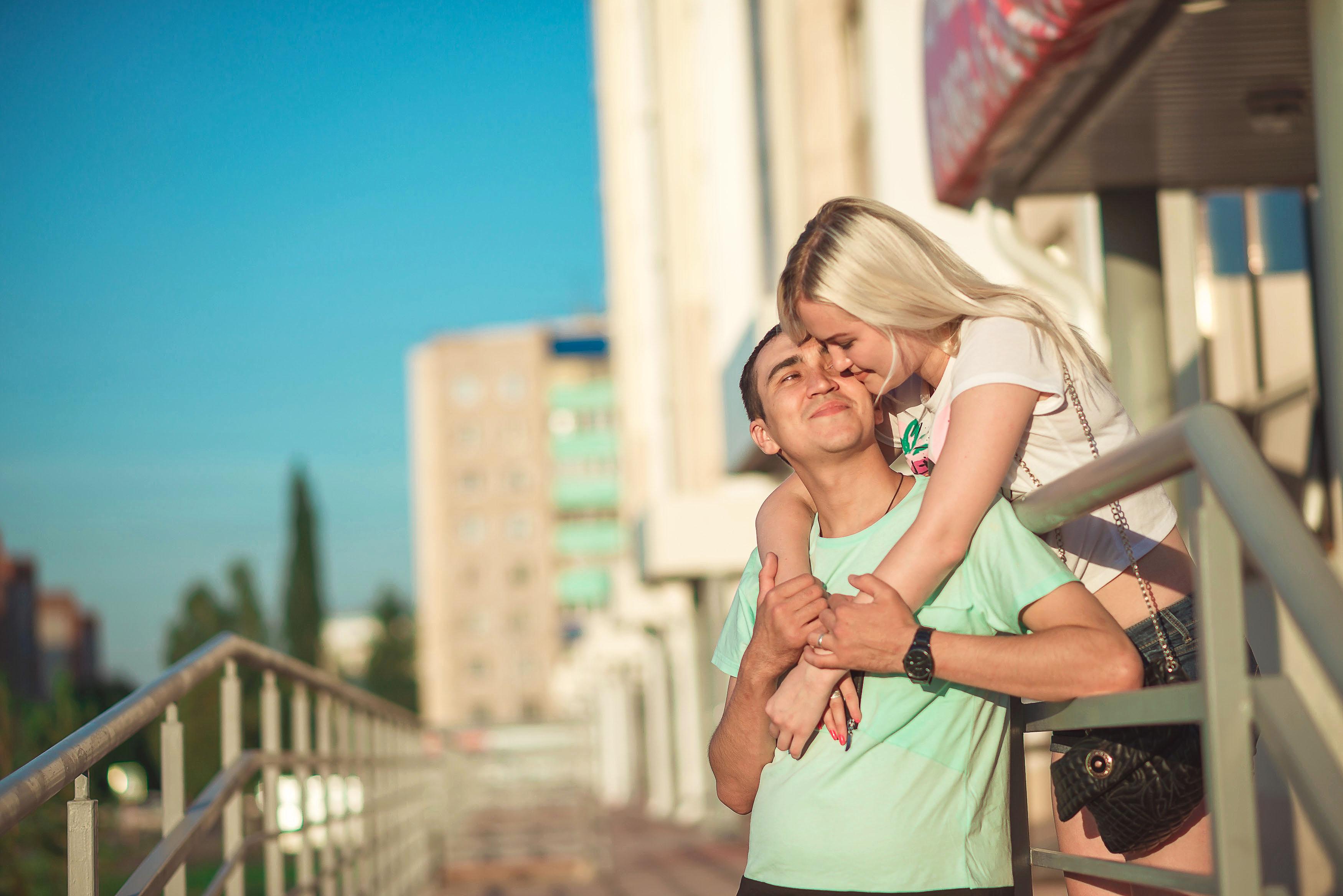 Фотосессия Лав стори в Стерлитамак пара, влюбленные в Стерлитамаке объятия