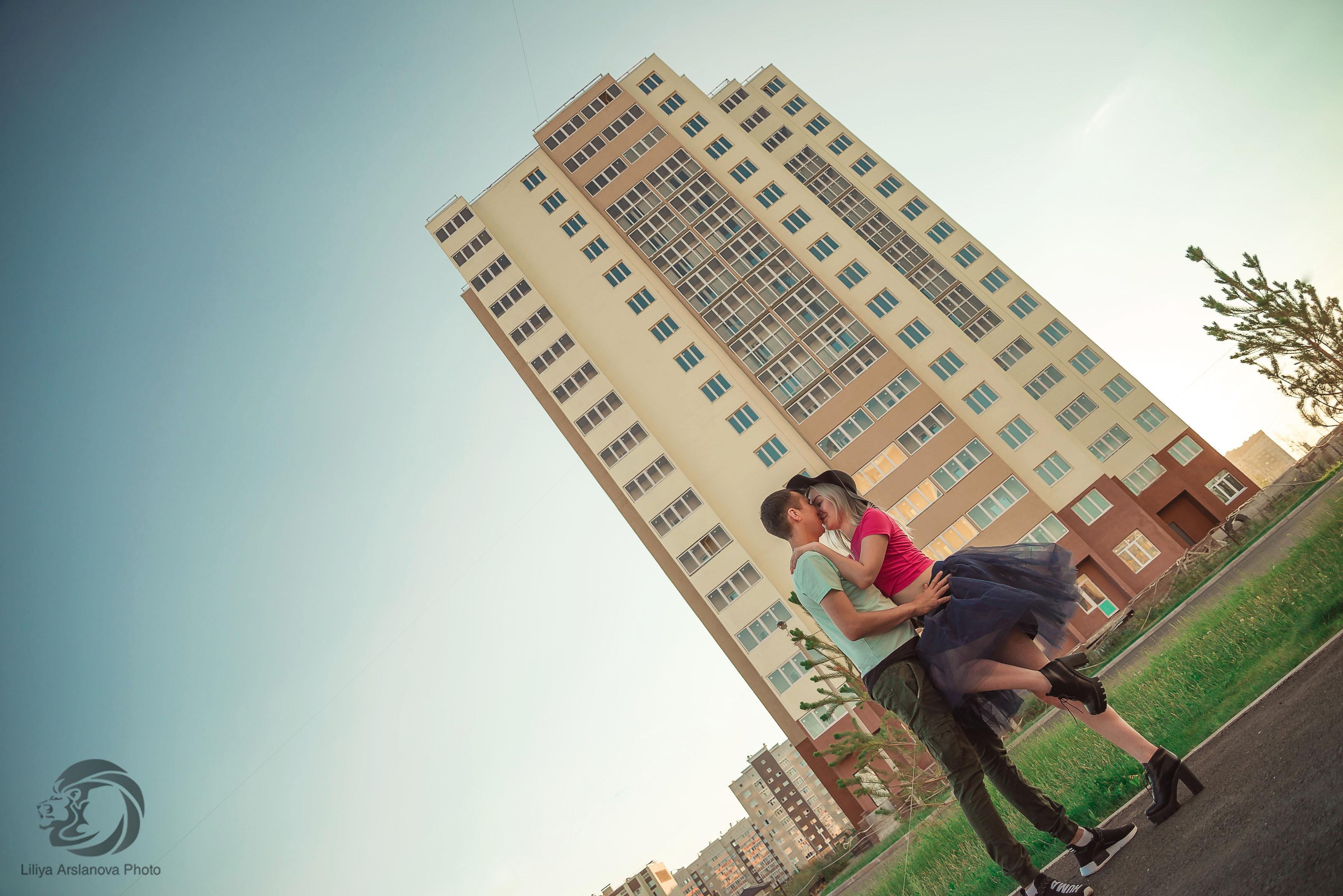 Фотосессия Лав стори в Стерлитамак пара, влюбленные в Стерлитамаке высотка