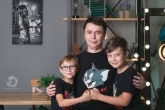 Папа и сыновья, семейная фотосессия в Стерлитамаке, фотосессия стерлитамак заказать, фотостудия стерлитамак, заказать съемку в фотостудии Стерлитамак, фотограф Лилия Арсланова