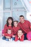 Большая семейка. семейная фотосессия в студии, семейные фотосессии с детьми, в фотостудии Стерлитамак фотограф Лилия Арсланова в Стерлитамаке, профессиональный фотограф Стерлитамак, одежда для семейной фотосессии