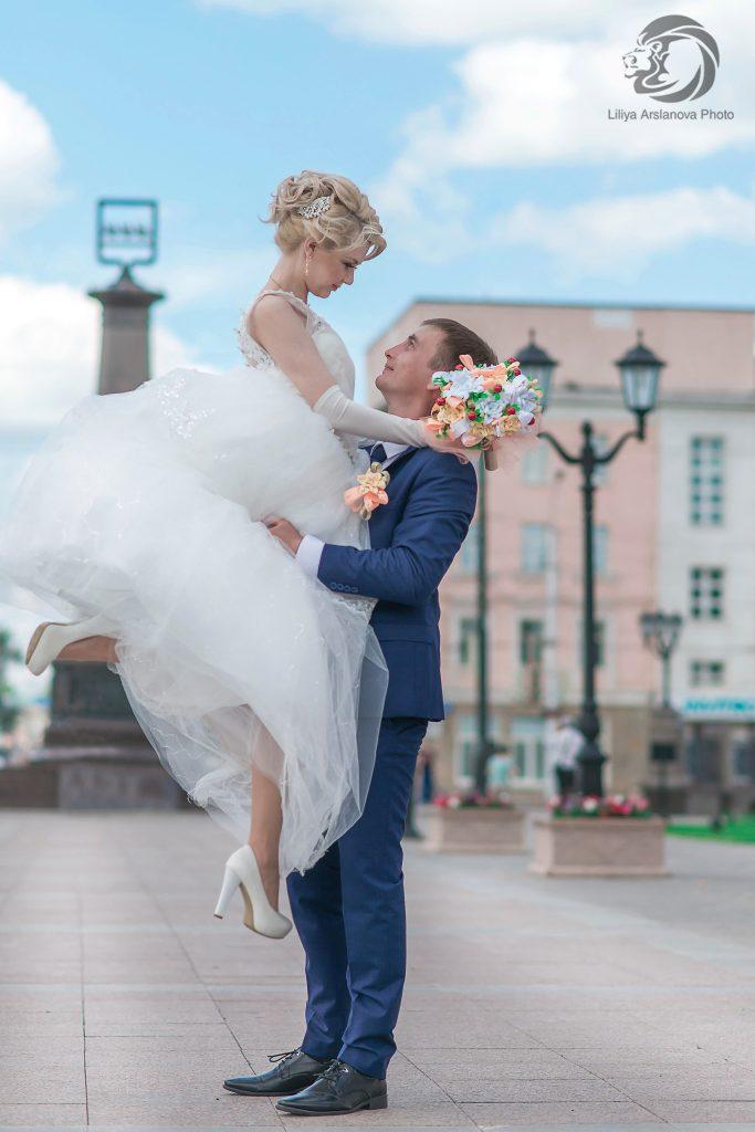 Свадебный фотограф Стерлитамак недорогой профессиональный фотограф Стерлитамак Красноусольск Лилия Арсланова заказать свадебные фото платье невесты